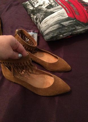 Не реальные туфельки с бахромой от clarks 100% кожа
