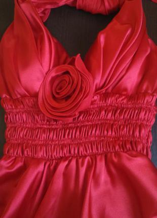 Коктейльное атласное платье с открытой спиной,ассиметричный низ
