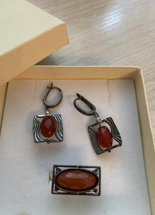 Серьги и кольцо с натуральным камнем