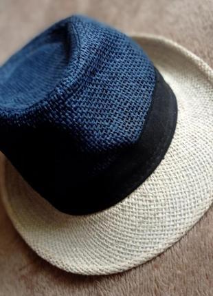 Шляпа синяя с бежевым ,крутая.