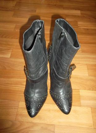 Кожаные ботинки,полу сапоги next с заклепками