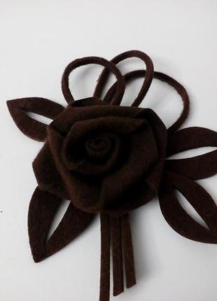 Оригинальный фетровый цветок- изумительный декор для головных уборов, жакетов, свитеров