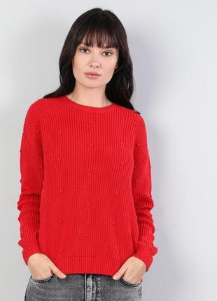 Новый красный свитер colins