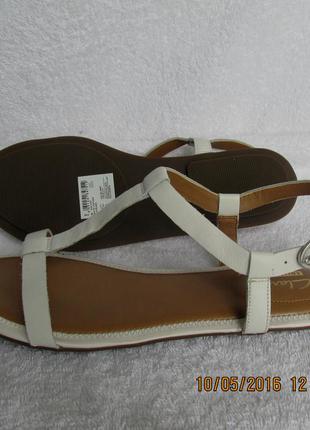 Clarks  новые босоножки кожаные размер 36. 5, 37