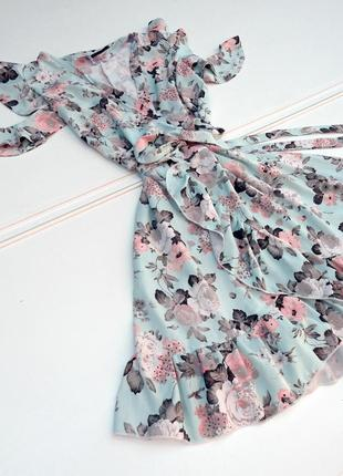 Платье на запах в цветочном принте