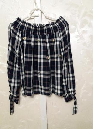 Вискозная блуза в клетку  с вышивкой и спущенными плечами