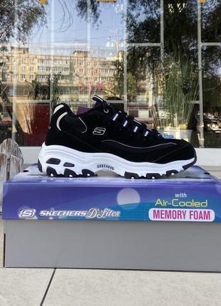 Кросівки американського бренду skechers