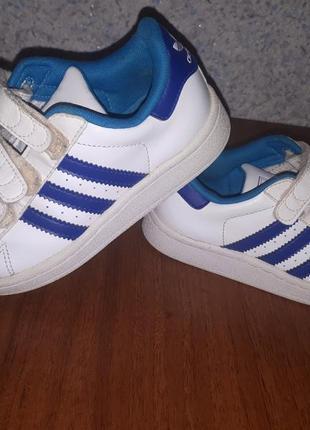 Дуже стильні кросовки