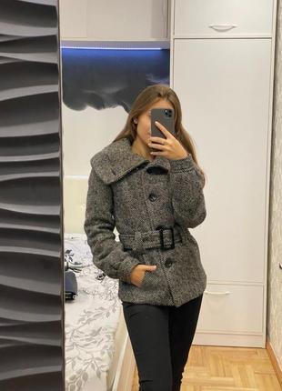 Пальто с объёмными рукавами h&m, 50% шерсти