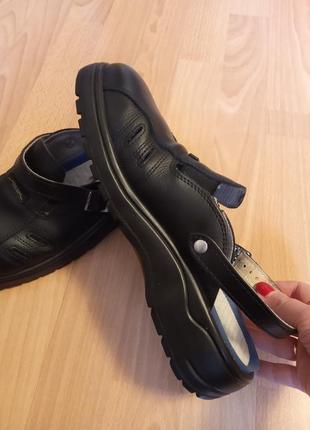 Немецкий бренд,роскошные,красивые,кожаные сандалии,босоножки,шлепанцы,сандалии-шлепки