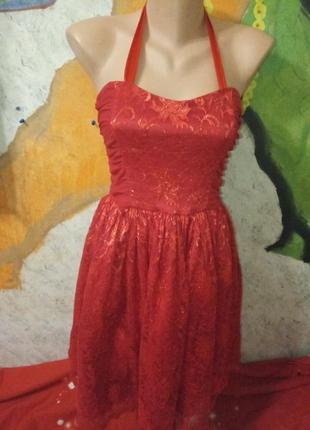 Очень красивое платье кружевное angus