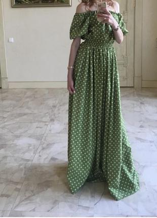 Дуже круте св'яткове плаття.