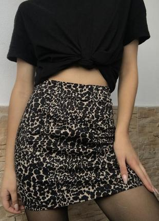 Мини юбка леопардовая pull&bear