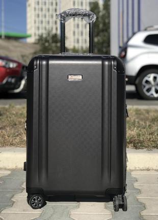 Средний пластиковый чемодан из поликарбоната графит франция