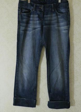 Крутые актуальные джинсы прямого кроя с подворотами sisley