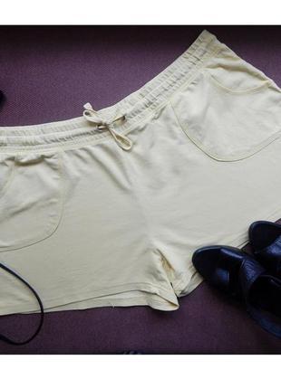 20-22р большие желтые шорты