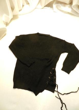 Невероятно мягкий красивый и нежнейший свитер с  люверсами шнуровка