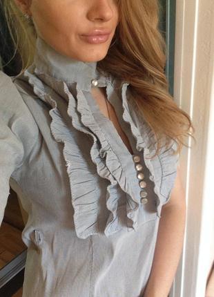 Хорошенькая блузка с коротким рукавом