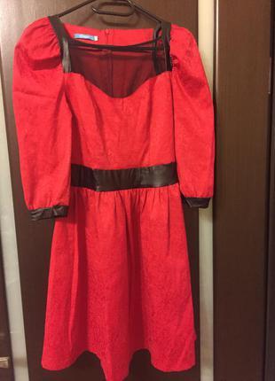 Продам платье gepur