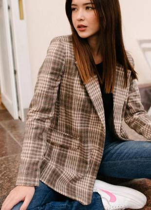 Жакет (пиджак) оверсайз прямого кроя бежевый / коричневый в клетку