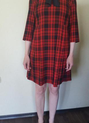Красное клетчатое модное и очень стильное платье
