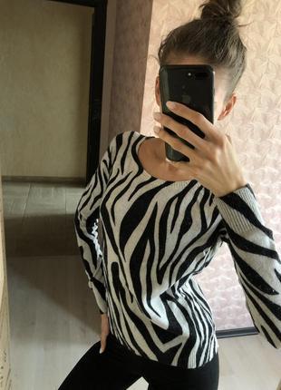 Белая чёрная ангоровая кофта свитер свитерок зебра колинс colins