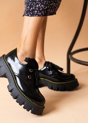 Новые туфли броги натуральная лаковая  кожа с 36-40