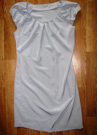 Красивое нежно-серое платье favori
