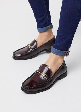 Кожаные туфли лоферы мокасины с пряжкой бордовые ben sherman стиль gucci prada hermes