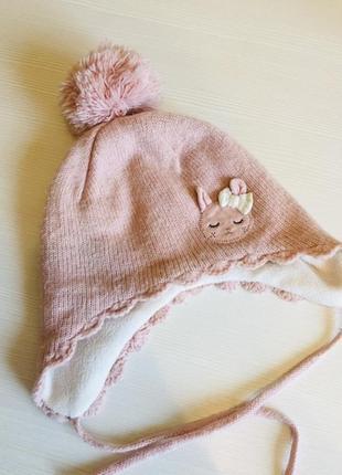 Стильна та тепленька шапочка для дівчинки