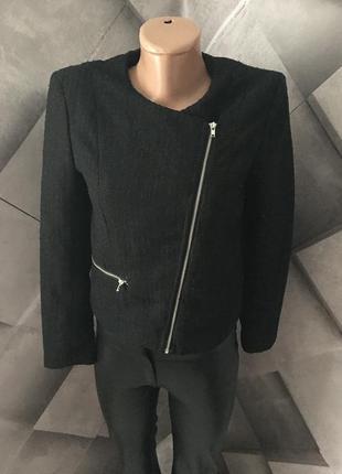 Укорочений пиджак