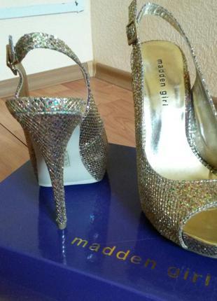 Шикарные нарядные туфли - босоножки madden girl