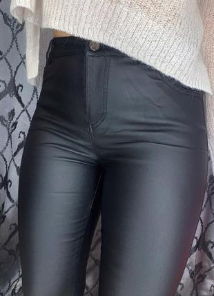 Новая модель😍 кожаные штаны с напылением эко кожи с высокой посадкой на тонком флисе2 фото