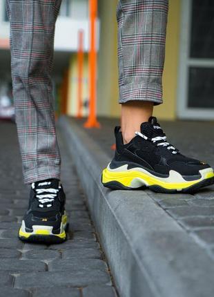 Стильные кроссовки balenciaga triple s black yellow