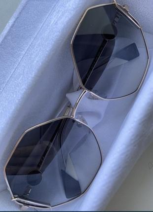 Солнцезащитные очки furla , новые . модель этого года . подарили, не подошли . есть чек .