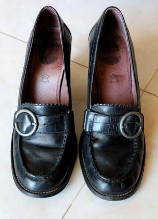 Кожаные  туфли chaster