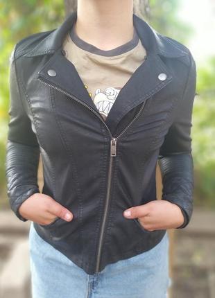 Куртка,экокожа