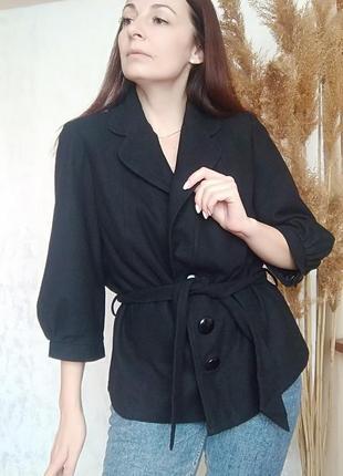 Укороченное полупальто на пуговицах / чёрное пальто короткое