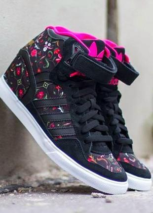 Крутые в цветочный принт кроссовки/ сникерсы бренд adidas vietnam
