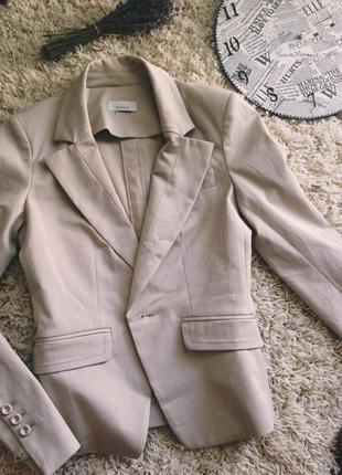 Бежевый пиджак pinko