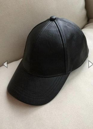 H&m стильная кепка бейсболка из экокожи  черная кожаная