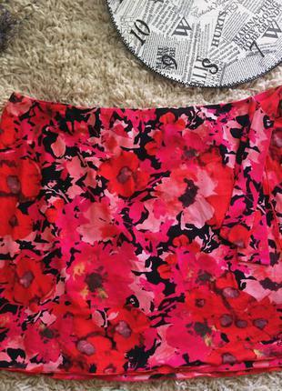 Яркая юбка в цветочный принт фирменная новая
