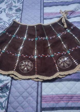 Короткая юбка с этномотивами