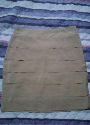 Короткая юбка с оригинальными защипами