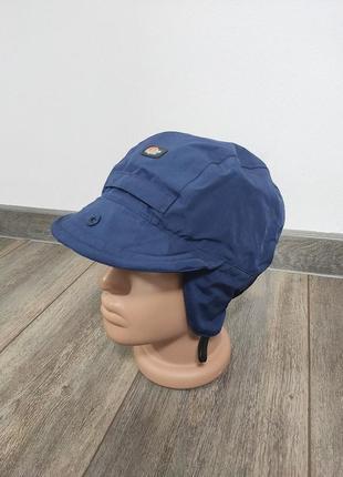 Треккинговая зимняя шапка с козырьком  lowe alpine