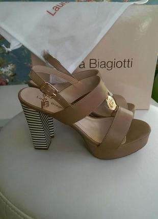 Босоножки брендовые laura biagiotti италия новые 38 размер