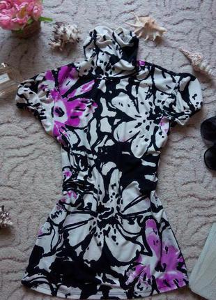 Актуальная блуза в цветочный принт с элементами кружева