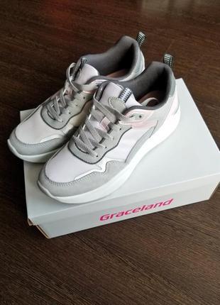 Мягкие прогулочные кроссовки на платформе с рефлективными вставками
