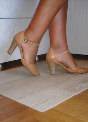 Кожаные туфли but s