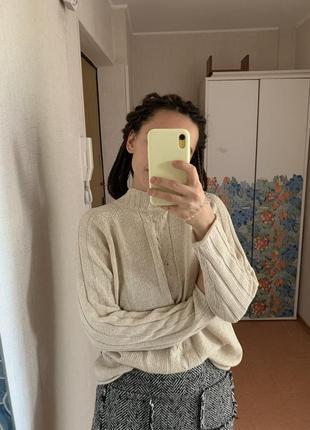 Белый осенний свитер